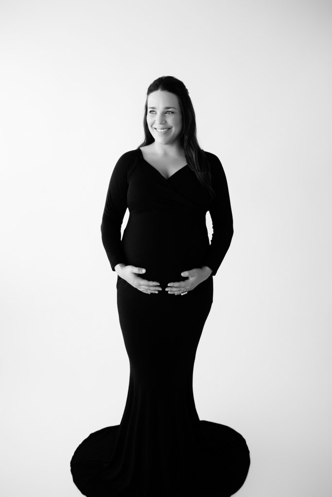 Black and White Photos for Expectant Moms