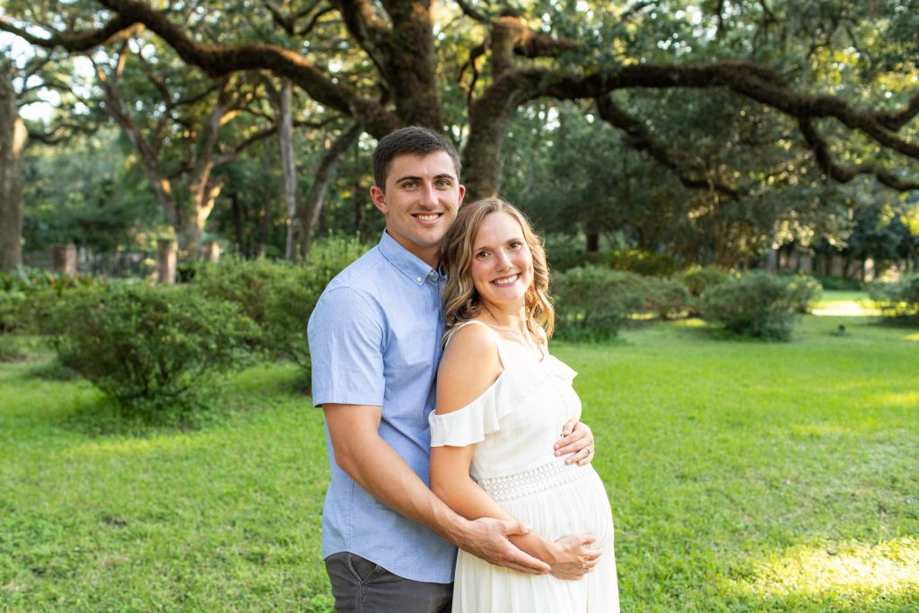Couples Outdoor Maternity Photo Ideas