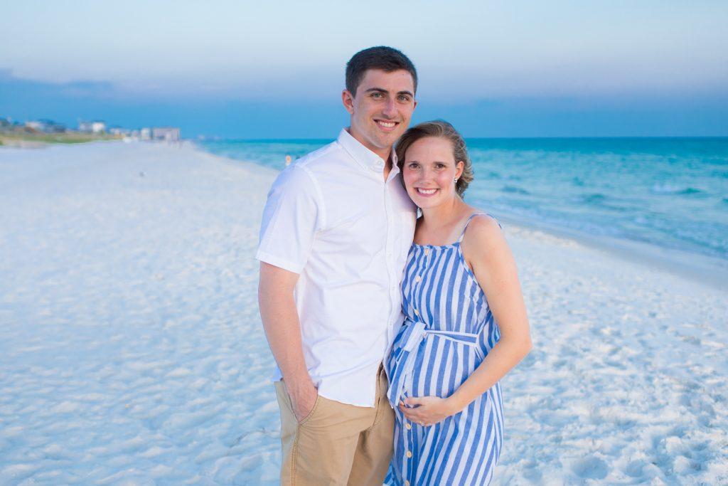 Maternity Photo Ideas: Outdoors